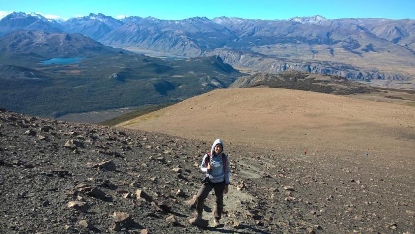 Trekking del Loma del pliegue Tumbado a El Chalten vista Fitz Roy