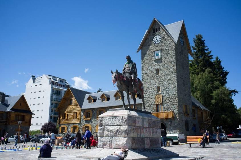 Piazza principale nel centro storico di Bariloche in Argentina