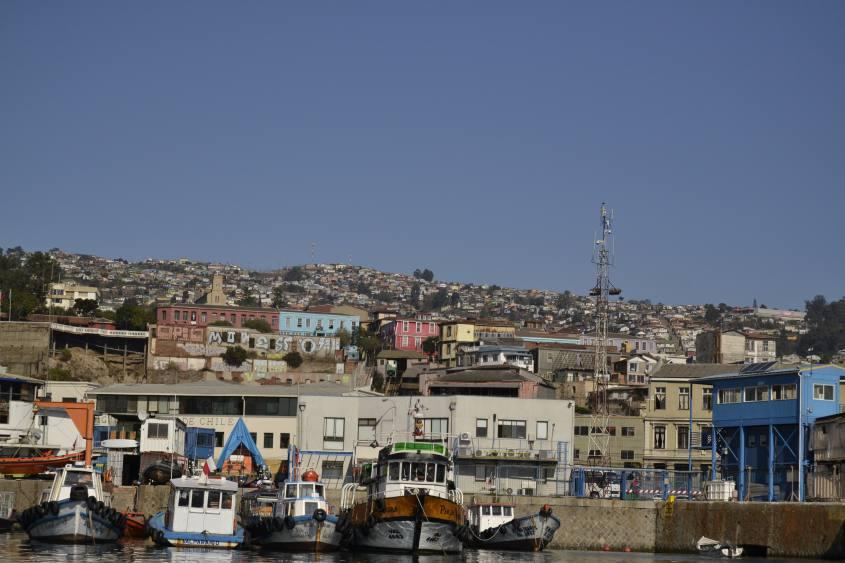 I colori di Valparaiso in Cile visti dall'oceano