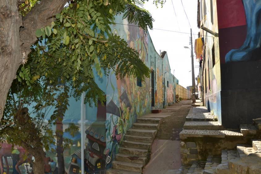 Murales sparsi per le vie di Valparaiso in Cile
