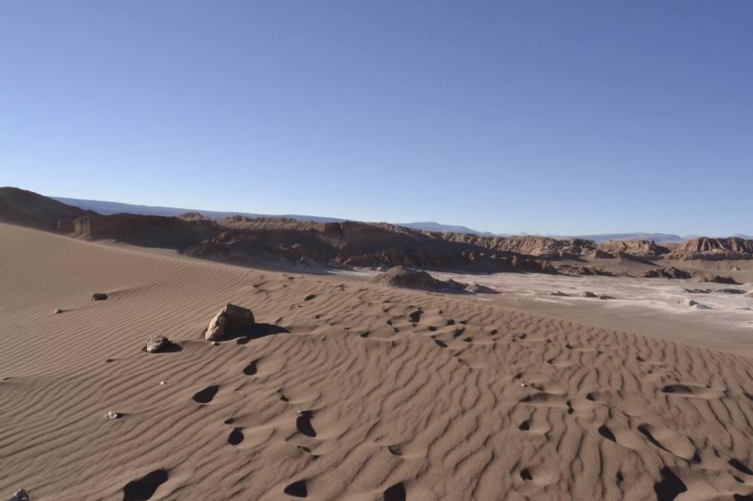 Dune di sabbia nella Valle della Luna del deserto di Atacama in Cile