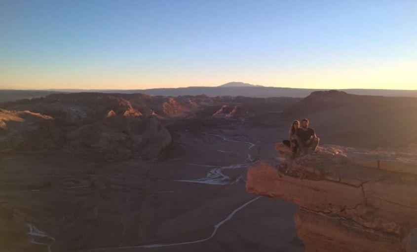 Foto tipica al tramonto dalla Pietra del Coyote nella Valle della Luna nel deserto di Atacama in Cile