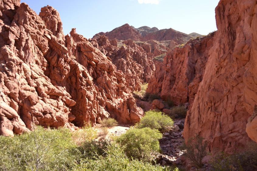 Paesaggi rocciosi della Quebrada de las Señoritas vicino Tilcara in Argentina