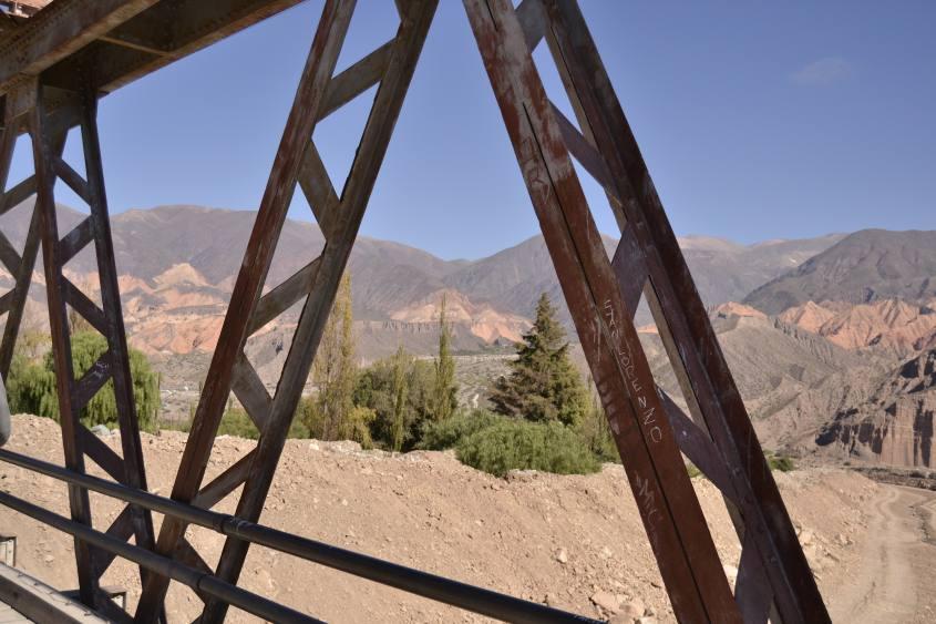 Sulla strada per la fortezza Pucará de Tilcara in Argentina