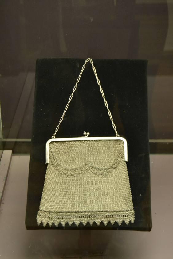 Borsa fatta completamente in argento all'interno del Museo della Moneta di Potosì