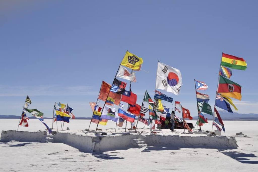 Bandiere al Salar di Uyuni