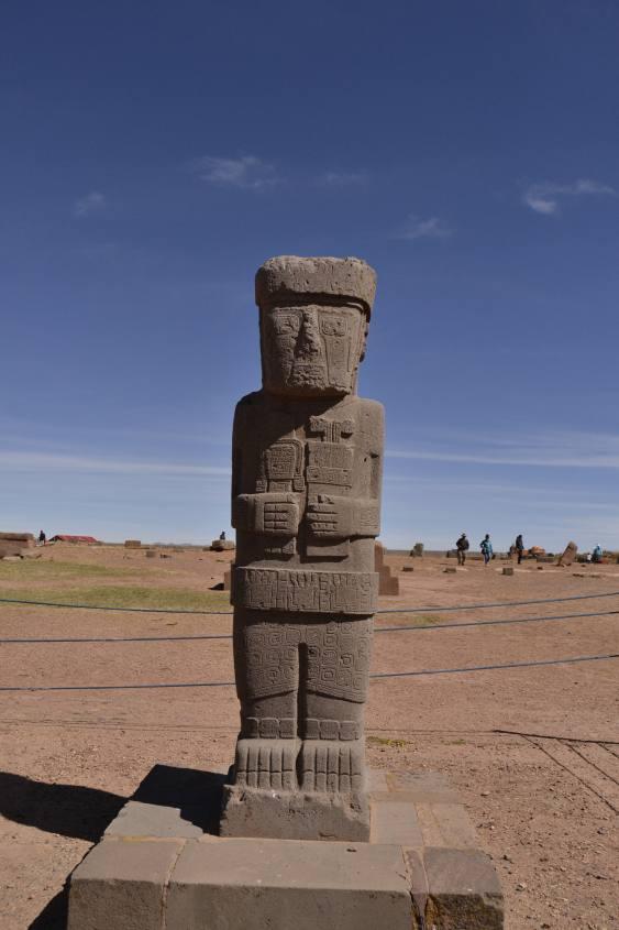 Statua gigante per i sacerdoti Tiwanaku