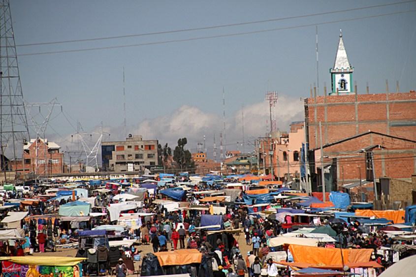 Mercato El Alto nella parte alta di La Paz in Bolivia