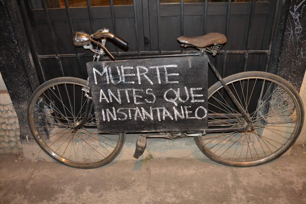 Cartello Bar di La Paz