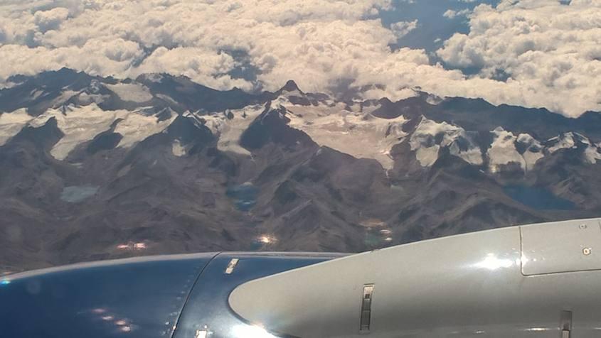Viaggio da Sucre a La Paz in aereo con vista Ande