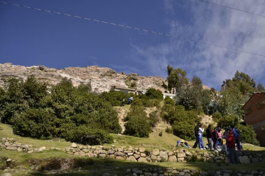 Scuola dello obbligo sulla Isla del Sol in Bolivia