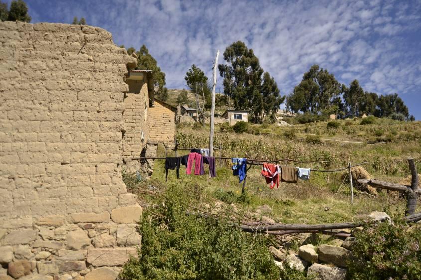 Paesaggi lungo il percorso da nord a sud della Isla del Sol in Bolivia