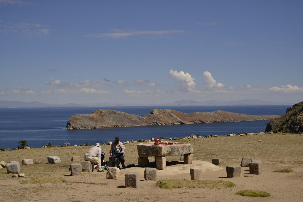 Mesa Ritual Isla del Sol