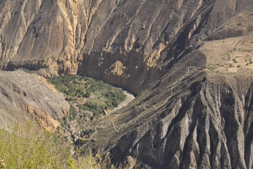 L'oasi nascosta al termine del trekking all'interno del Canyon del Colca in Perù