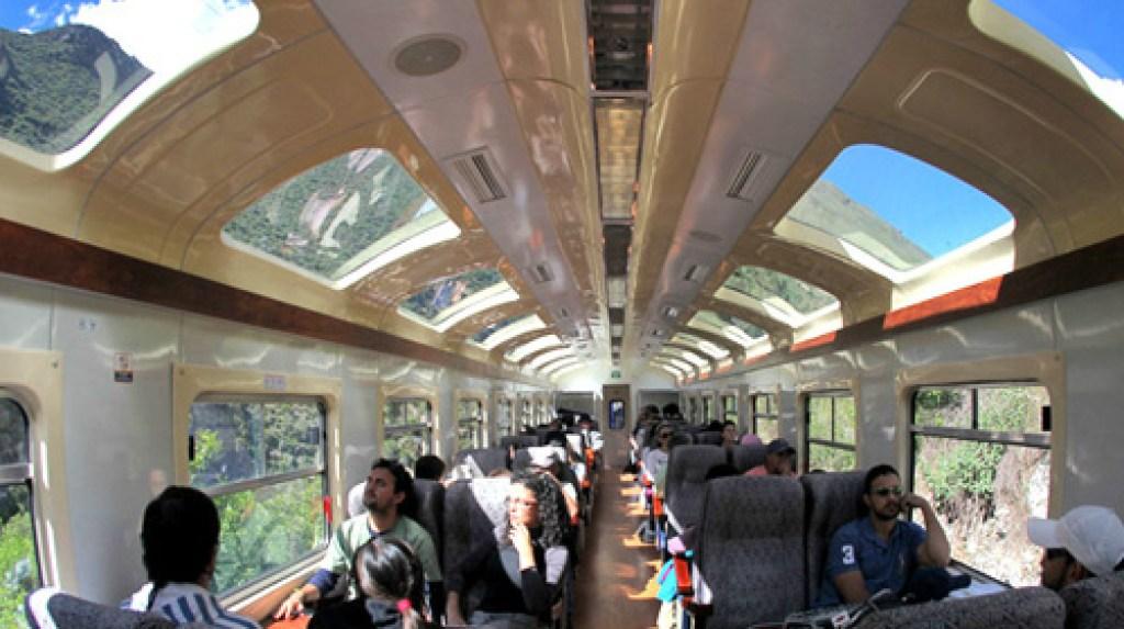 Vista dal treno per Machu Picchu