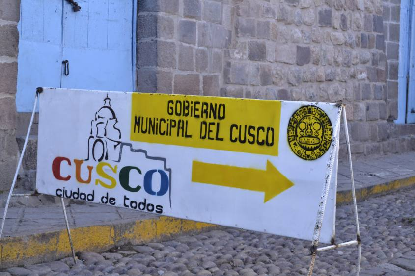 Cartello d'ingresso alla città di Cusco in Perù