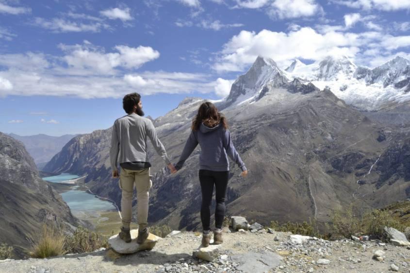 Passo di Portachuelo durante il trekking Santa Cruz nella Cordillera Blanca in Perù