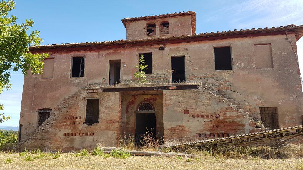 Casali abbandonati Via Francigena