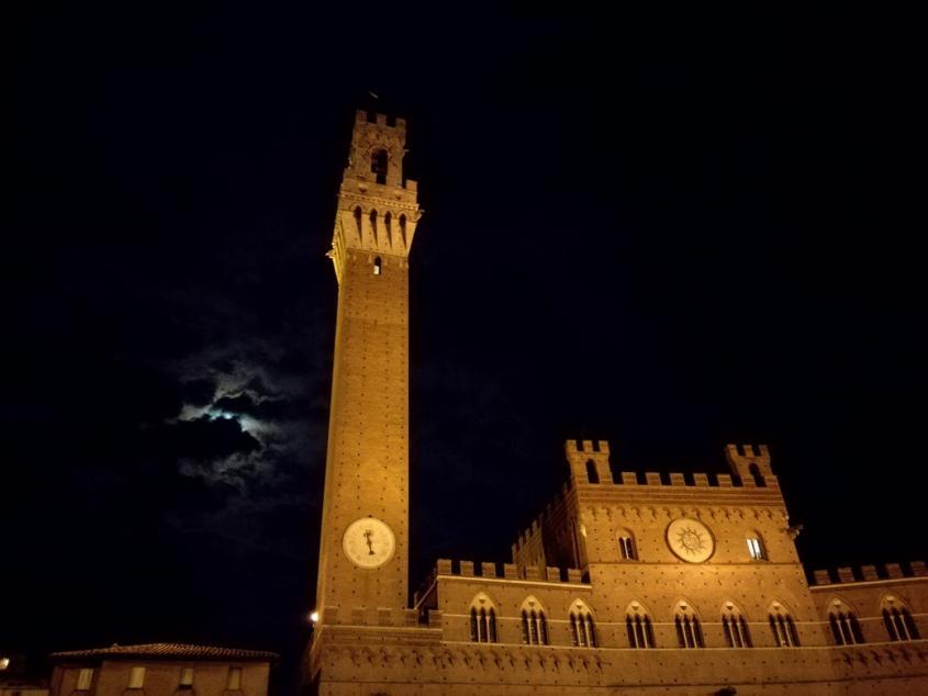 Palazzo Pubblico Piazza del Campo Siena