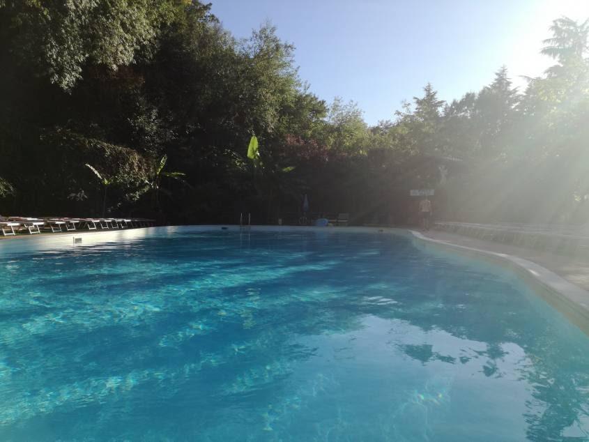 Piscina campeggio Seven Hills Village