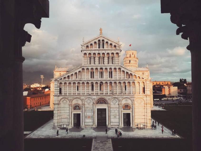 Vista del Duomo di Pisa dal Battistero in Piazza dei Miracoli