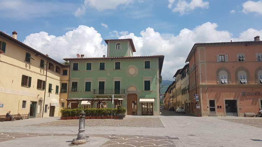 Piazza Vittorio Veneto a Castelfranco di Sopra