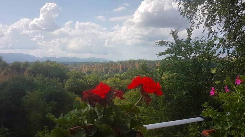 Punto panoramico con vista sulle Balze Del Valdarno a Piantravigna