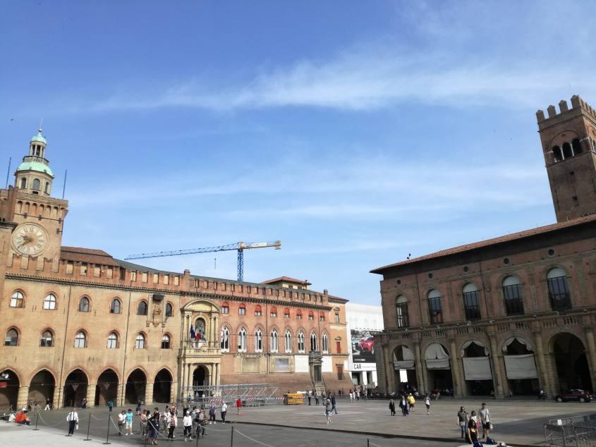 Vista su Piazza Maggiore a Bologna