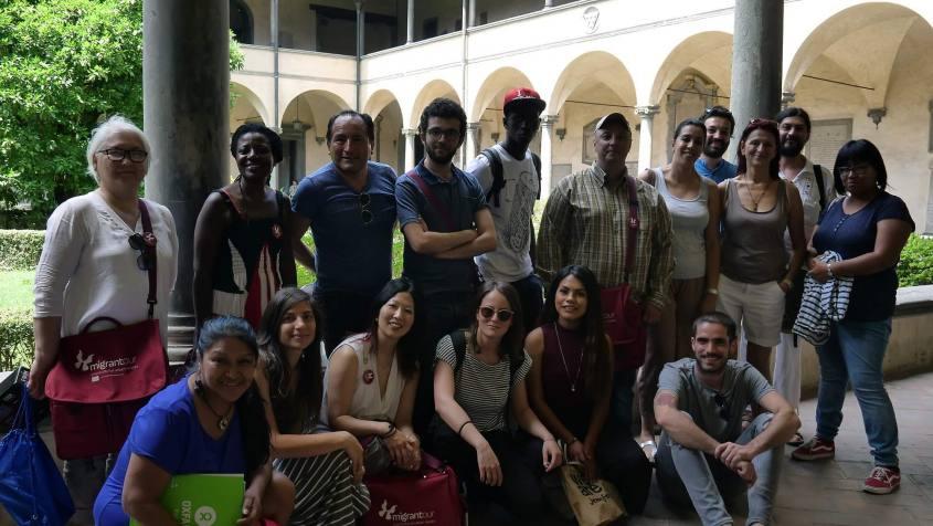 Foto di gruppo con tutti gli accompagnatori del Migrantour Firenze