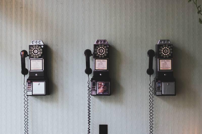 Vecchi telefoni a gettone