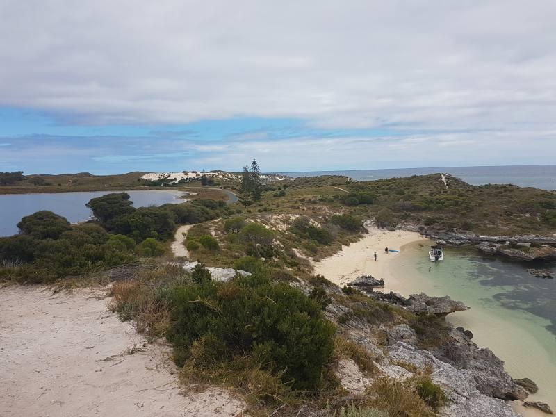 Spiaggia di Parakeet Bay dal punto panoramico di Rottnest Island