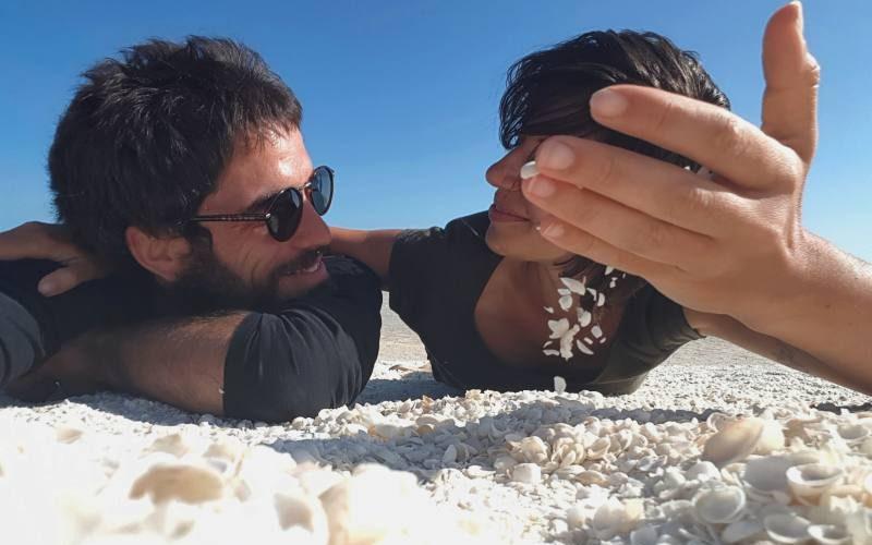 """Spiaggia solo di conchiglie """"Shell Beach"""" all'interno di Shark Bay in Western Australia"""