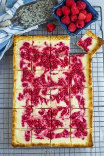Keto Raspberry Cheesecake Bars
