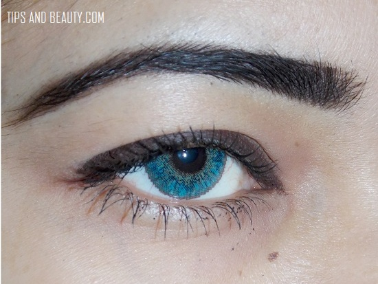 eye brow styling using old tooth brush