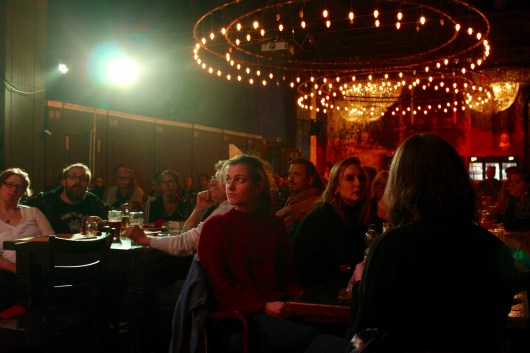 Publikum beim TIPS Fem Slam September 2018 im Beyerhaus