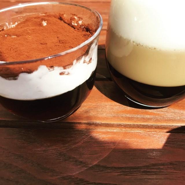 ティラミス風コーヒーゼリーとグラデーションコーヒーゼリーの写真