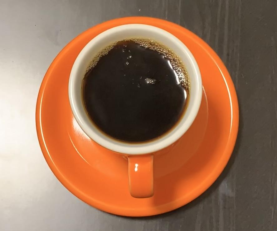 抽出したコーヒーの写真