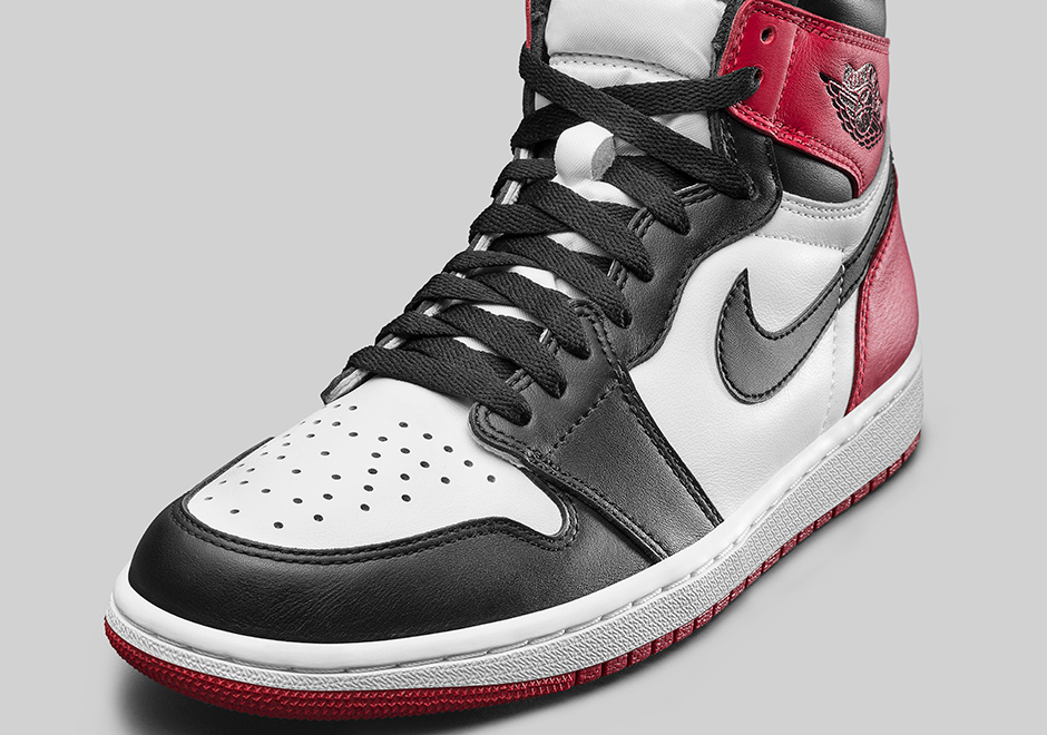 aj 1 black toe official.jpg