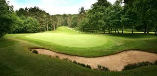 E33 green golf