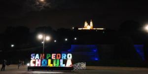 t. «Cholulando en Tranvía»- Tour Nocturno en Cholula Pueblo Mágico