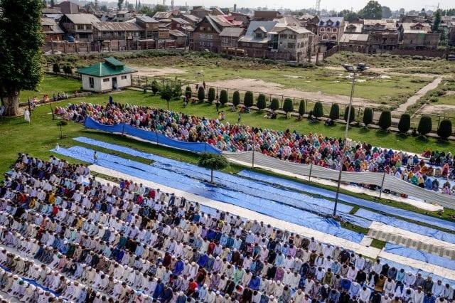 (صلاة العيد في سريناجار،أغسطس - آب)