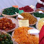 Frutta_candita_in_un_mercato_in_Italia_2015