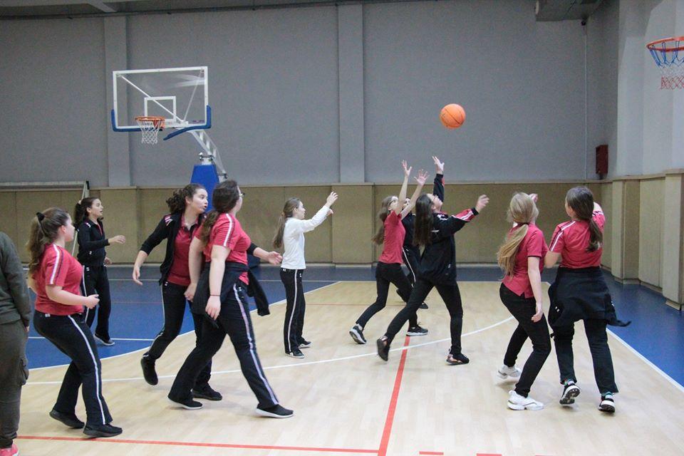 Kampionati i Basketbollit për vajzat e klasave të 8-ta