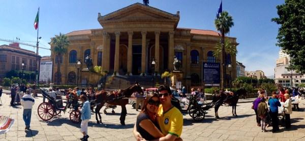 Fachada do Teatro Massimo. Foto: AMF / Blog Tirando Férias