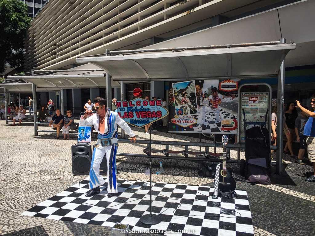 apresentação de artistas na avenida paulista