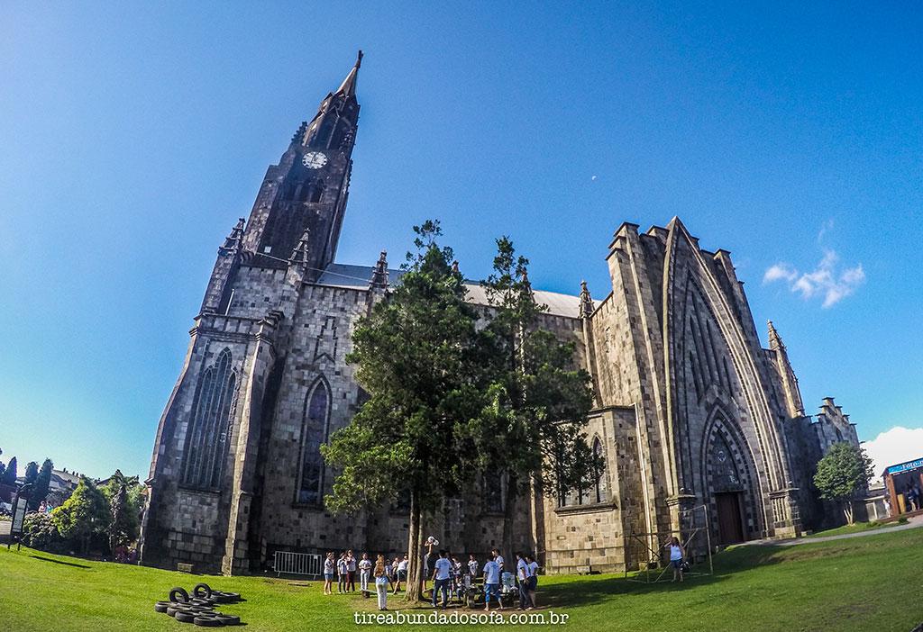 Catedral de Pedra, impressiona com sua arquitetura gótica