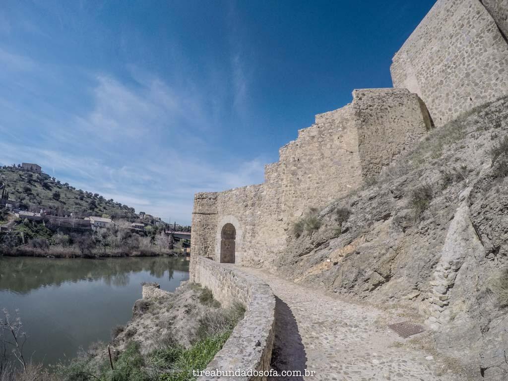 as muralhas de toledo, na espanha