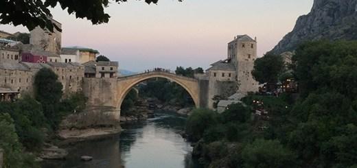 antiga ponte de mostar, destruída pela guerra, bósnia