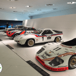 exposição de carros de corrida da porsche, em stuttgart alemanha
