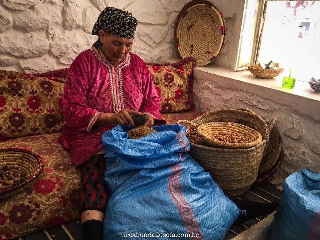 Extração do óleo de argan, em ourika